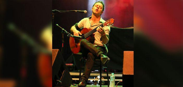 Brazilian Guitarist Rodrigo Nassif   Violinista brasileiro Rodrigo Nassif