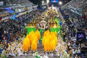 Carnaval brasileiro: a nação explode